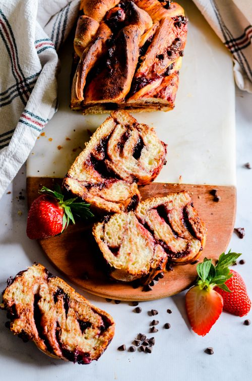 This recipe for Strawberry Chocolate Babka has only 3 ingredients thanks to Rhodes Bake-N-Serv Bread. Sweet strawberry jam and chocolate chips swirled inside soft bread.